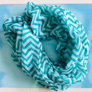 Accessories - MAKE OFFER - Teal & White Infinity Scarf